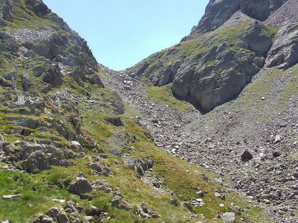 le col et Les lacs de la Montagnette, et le port de Venasque