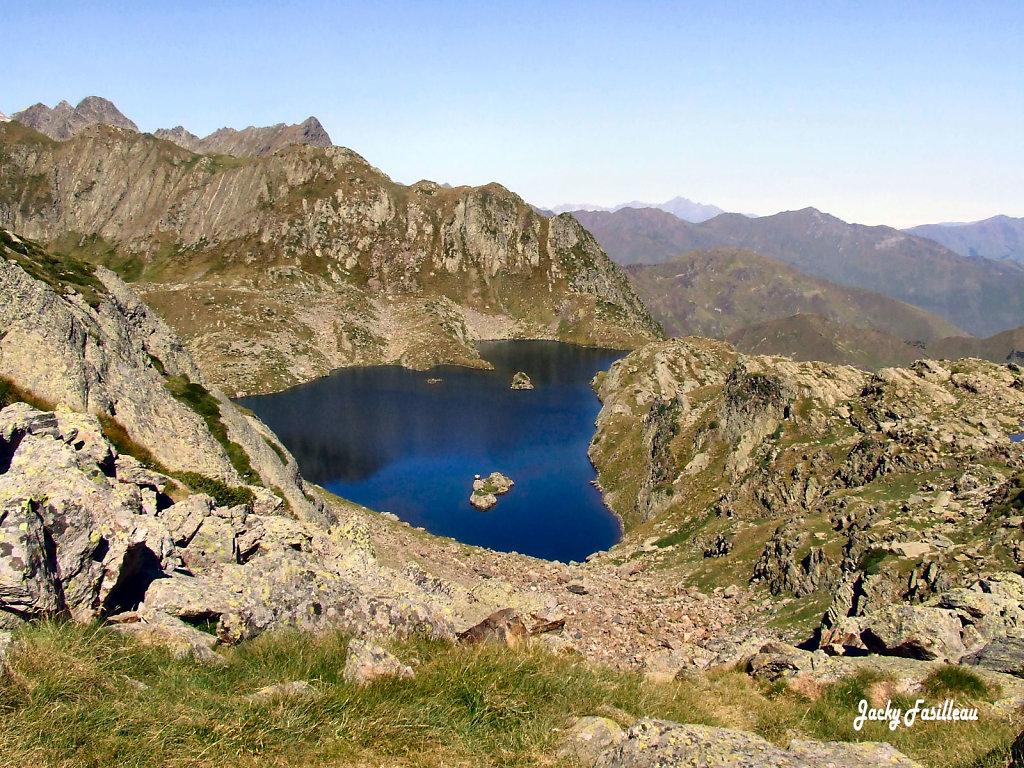Le lac de la Montagnette